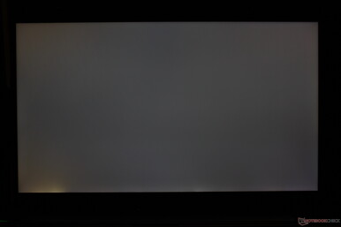 Moderate uneven backlight bleeding along the bottom edge