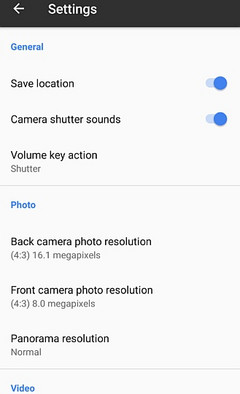 Google Camera 4.4 settings screen, new features include selfie flash and double-tap zoom