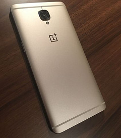 The Oneplus 3 and 3T had the same chassis but slightly different internals. (Source: wikipedia)