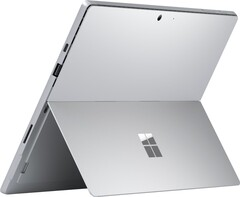 The Microsoft Surface Pro 7 featuring USB Type-C. (Image source: @evleaks)