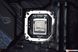 Intel Core i7-9700K Advanced Pre-Test Edition - 5.0 GHz @ 1.34 V