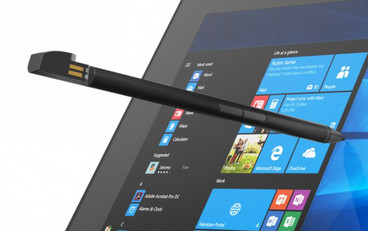 Active stylus pen with two buttons