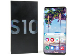 The Galaxy S10 currently comes with a 15 W charger
