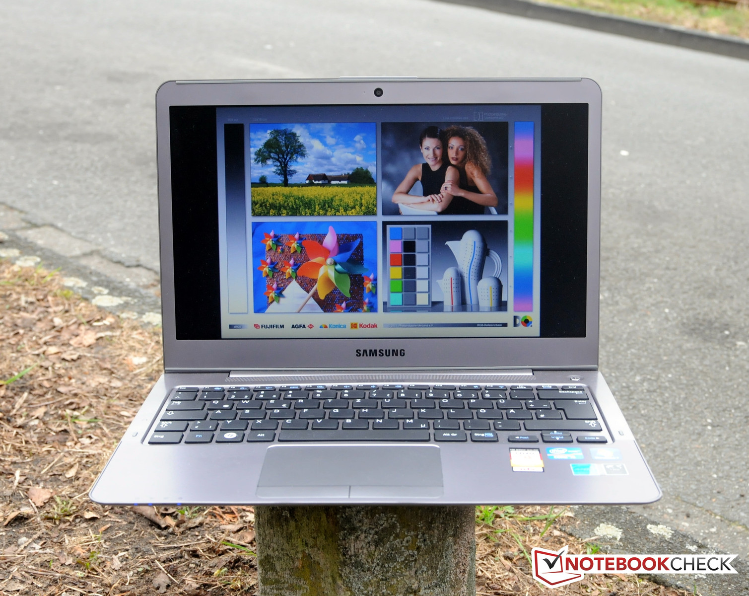 Notebook samsung cena - The Notebook Is Very Suitable For Outdoor Use