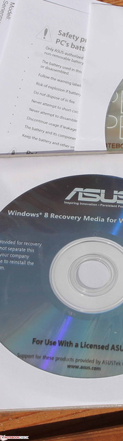 ASUS ASUSPRO Essential PU301LA: rare scope of delivery with Windows 7 and Windows 8 DVDs