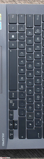 ASUS ASUSPRO Essential PU301LA: The keyboard is well suited for frequent writers.