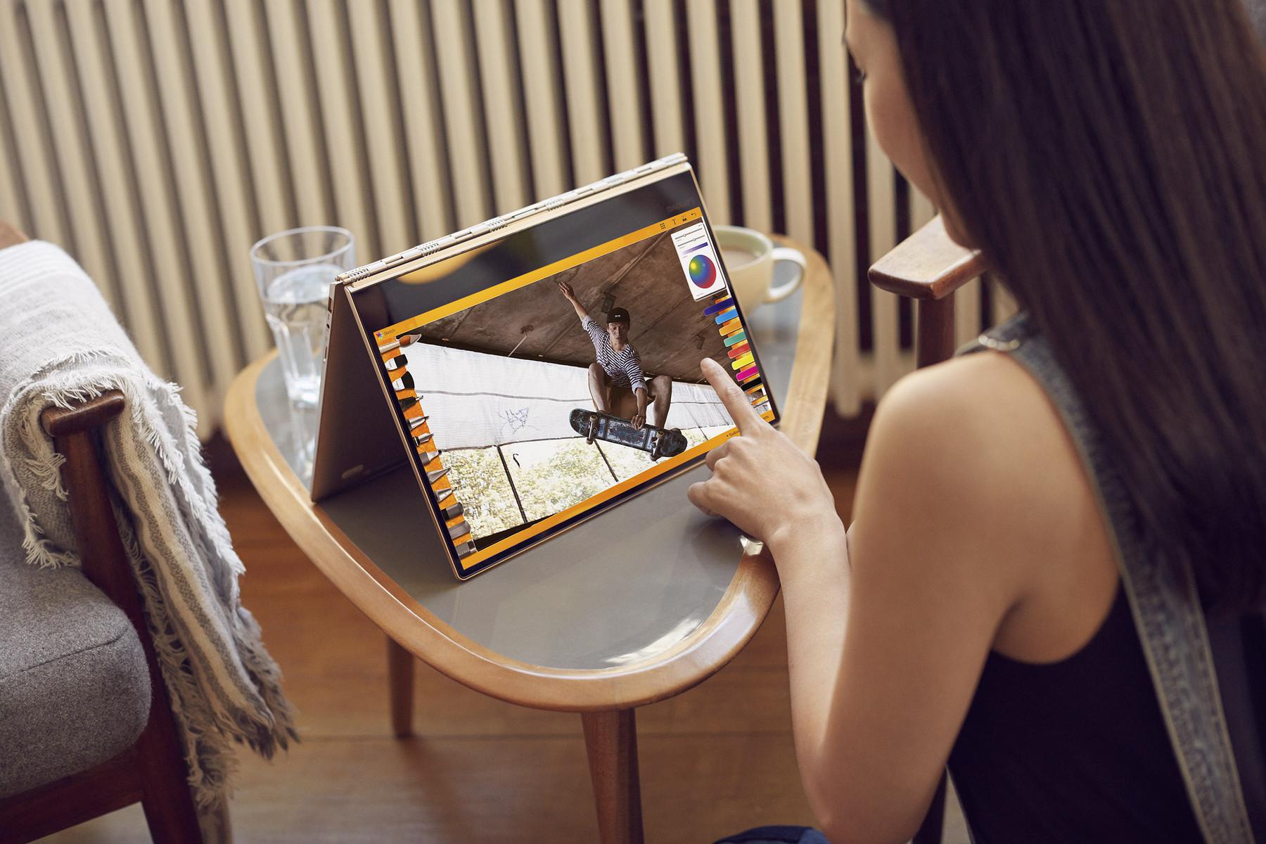 Tent-Mode & Lenovo Yoga 910: Convertible-flagship with Kaby Lake unibody ...