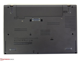 Bottom of the ThinkPad T440s 20AQ0069GE (with docking port)