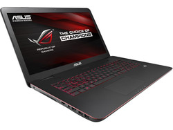 Asus G771JM. Test model provided by Notebooksbilliger.de