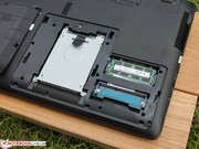 Hard drive and memory (2 modules) can be replaced very easily.