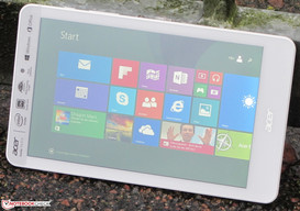 The Iconia Tab outdoors