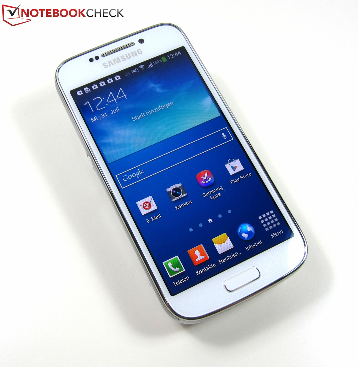 the samsung galaxy s4 is a typical smartphone with a 4 3. Black Bedroom Furniture Sets. Home Design Ideas