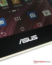The display of the Asus Memo Pad HD 7 ME176C has a resolution of 1280x800 pixels.