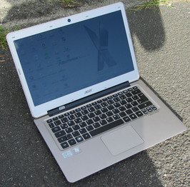 Acer Aspire S3-391 outdoors