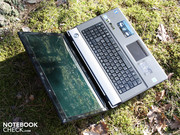 It allows the strong multimedia notebook to take off in sound matters.