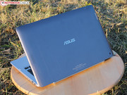 Intel's ultrabook hardware is in the base of the high-quality chassis ...