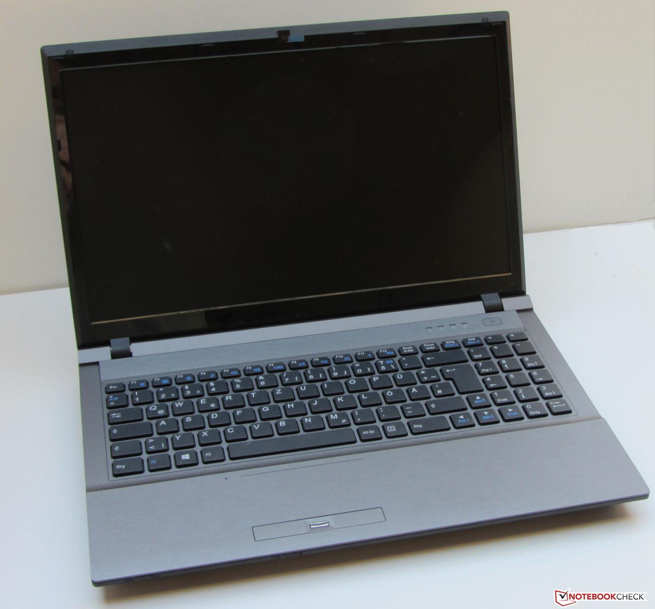 Review Clevo W255CEW Barebones Notebook - NotebookCheck net