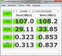 Crystal Disk Mark: 471 MB/s (seq. r.)