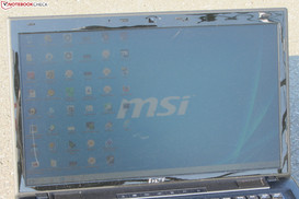 The MSI CX70 outdoors (shot taken in bright sunshine).