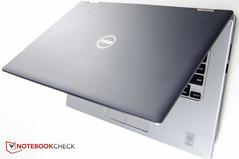 The chassis of the Inspiron 7000 13-7352: rubberized charcoal gray on the outside...