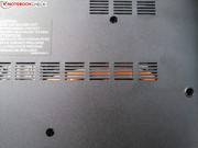 A heat pipe can be seen under the vents in the base plate,...
