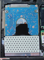 Only hard drives with a height of 7 mm fit in the E130.