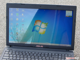 The Asus F55A in outdoor use.