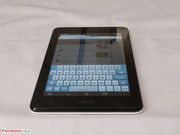 At just around 300 grams the tablet is very compact.