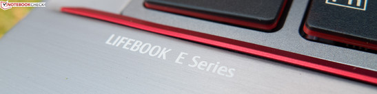 LifeBook E743-0M55A1DE: Only lower-priced or is it also inferior to the E-series' Premium Selection models?
