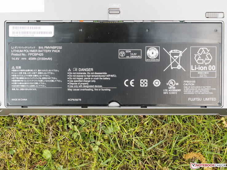 The battery has a capacity of 45 Wh.