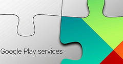 Google Play Services got updated dropping support for Android Gingerbread and Honeycomb
