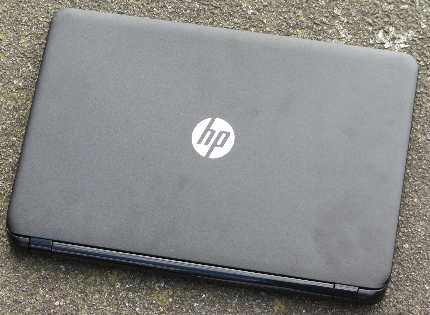 Hp notebook x64-based pc - The Lid S Back Is Comprised Of Roughened Plastic