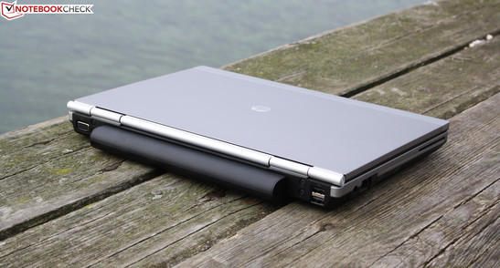 HP EliteBook 2560p (LG666EA): The workmanship, the excellent input devices, and the long battery life of the smallest EliteBook convince. However, the dark display disappoints.