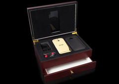 HTC One M8 Goldgenie luxury edition with 24 carat gold coating