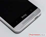 The look is strongly reminiscent of that of the bigger HTC One.