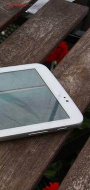 With the Galaxy Tab 3 7.0 Samsung also enters the field of cheap tablets.