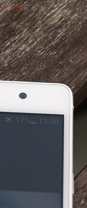 Low-resolution front-facing camera? Not in this case. It features 5 megapixels.