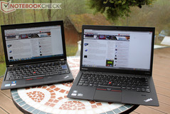 Outdoors: ThinkPad X220 IPS (left) vs. X1 Carbon (right)