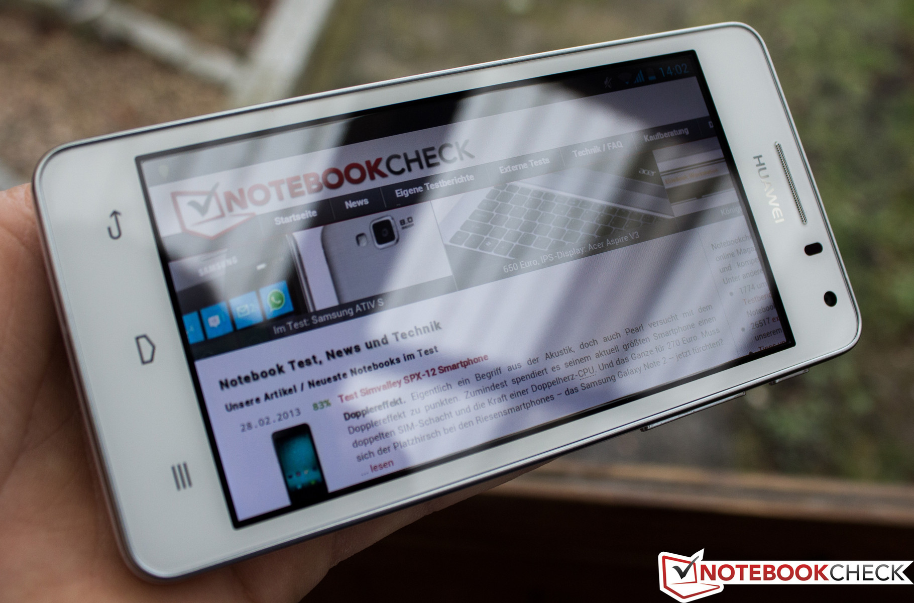 Review Huawei Ascend G600 Smartphone Reviews Samsungampnbsp Galaxy Note 4 Outdoors Reflections Are Very Noticeable