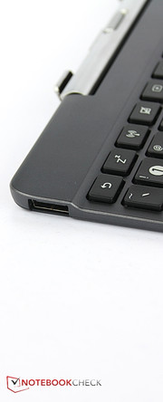 A full-sized USB 2.0 port is found in the keyboard dock.