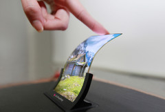 Experts believe there will be a component shortage for flexible OLED panels in 2017 and beyond. (Source: LG)