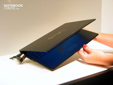 Sony Vaio X: Ultra flat, light, stylish and expensive.