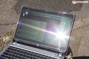 Direct sunlight makes working with the notebook very difficult