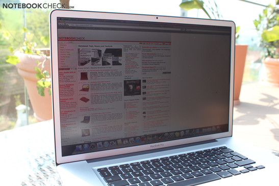 Apple MacBook Pro 17 inch 2011-02 MC725D/A 2.3GHz Non Glare