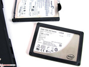 Standardly, only SSDs and hard drives with 7mm height fit