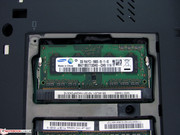The test device's 4 GB RAM are distributed over both slots.