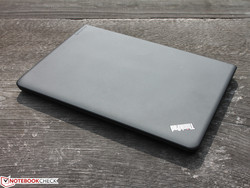 In review: Lenovo ThinkPad E450 20DDS01E00. Test model provided by CampusPoint.