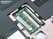 A 2GB DDR3 bar from Samsung was inserted in the test system. A second 2GB Kingston bar was included in the package for self-installation.