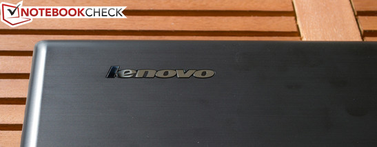 Brushed aluminum looks: Lenovo IdeaPad G780 M843MGE