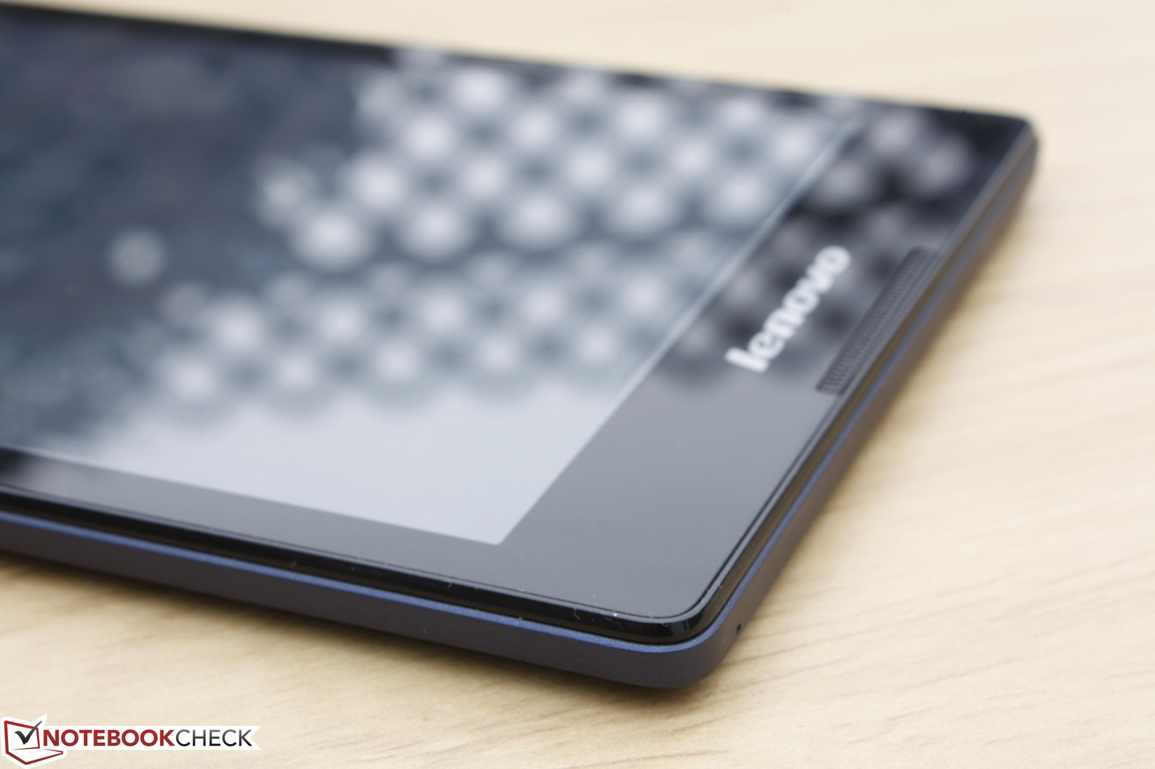 Lenovo Tab 2 A8 Tablet Review - NotebookCheck net Reviews